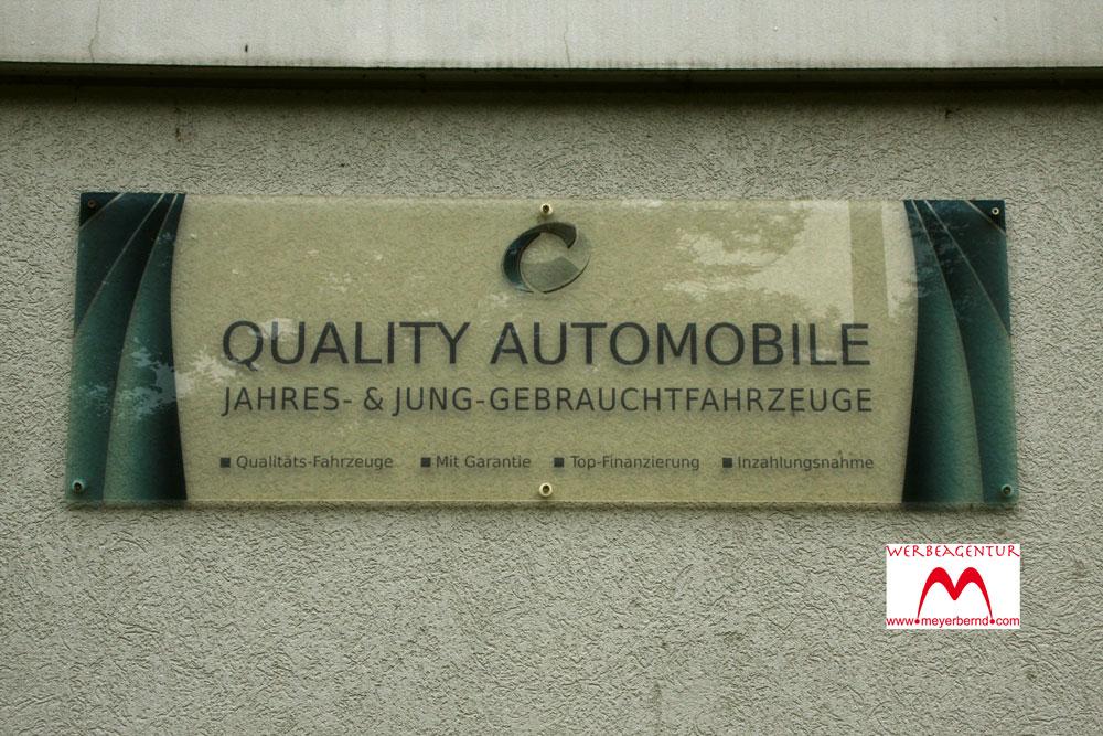 Neue Werbeschilder für Autohandel in Nürtingen geliefert