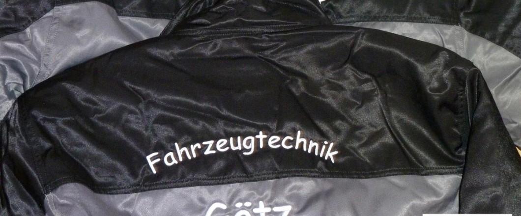 """Arbeitsjacken, bestickt mit Firmenname """"Fahrzeugtechnik Götz"""""""