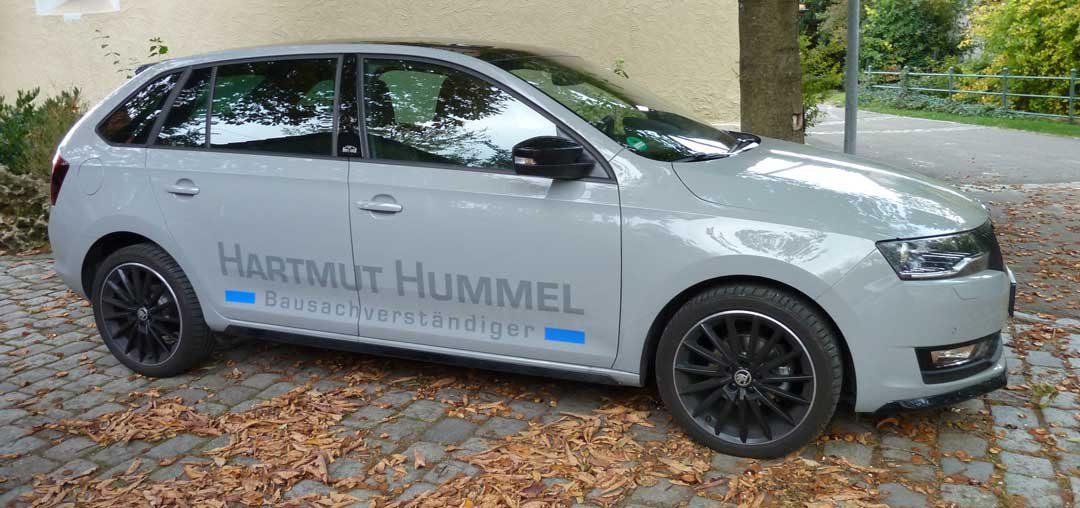 Dezente Fahrzeugbeschriftung für Bausachverständiger Hartmut Hummel