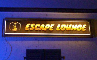 Neue Beschriftung der beleuchteten Schilder für die Escape-Lounge aus Kirchheim/Teck