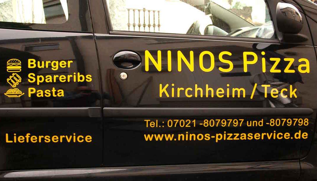 Beschriftetes Auto für Ninos Pizzaservice